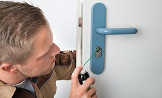 Lock Locksmith Tech Santa Clarita, CA 661-855-4676